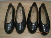 2 Pairs ladies shoes