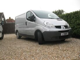 RENAULT TRAFIC not vat private sale just 108k. new mot MAY PX FOR ESTATE CAR? light use van. REDUCED