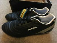 Ladies rugby boots