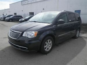 2011 Chrysler Town & Country Touring | NAV | DVD | Sunroof
