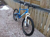 Giant full suspension gents mountain bike, large, high quality spec including Giant dropper post