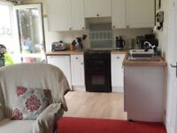 Homely, Sunny 2 bed holiday bungalow for holidays in Cornwall/Devon