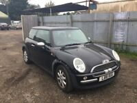 MINI ONE HATCHBACK CAME IN PX TODAY DRIVE AWAY A BARGAIN NOISEY GEARBOX. IN BLACK AND PRIVATE PLATE