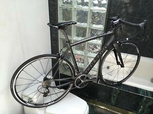 BRAND NEW (SIZE 54cm) COLNAGO CX ZERO ROAD BIKE - DURA ACE 9000