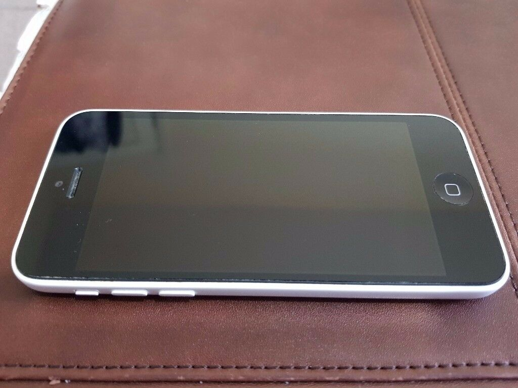 Apple iPhone 5C 16GB White Factory Unlocked to any Network Good Condition