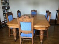 Original Late Victorian telescopic oak dining table and chairs.