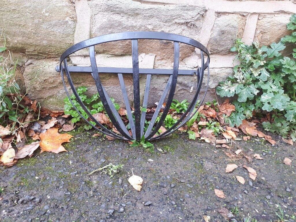 Vintage Retro Old Plastic Coated Metal Black Garden Wall Planter Basket Hay Manger Outdoor