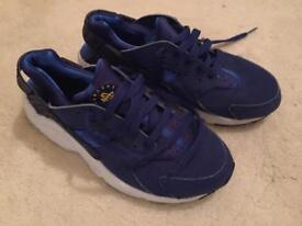 Boys huaraches trainers size 5&1/2