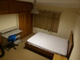 Student room available in Bristol house share £440pcm including bills. Ideal for UWE students.