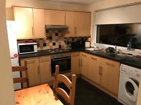Two bedroom furnished flat in Riverside, Stirling, with private parking