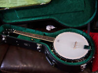 Martin Smith 4 string Tenor Banjo with new case and accesories