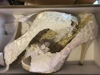 Ivory lace boutique wedding shoes size 5