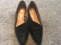 Black flat ladies shoe size 7