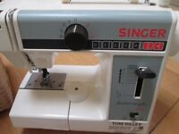 Singer free arm small electric sewing machine