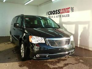 2014 Chrysler Town & Country Touring | CAMERA | EASY FINANCING |