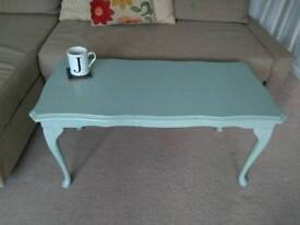 Coffee Table - Queen Anne Vintage Style
