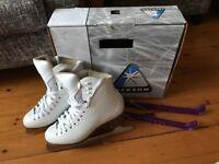 Ice skates, Jackson Artiste figure skates, UK 4.5, like new