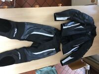SPADA Motorbike Leathers (Trousers and Jacket set) Excellent Condition