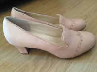Ladies pair of Hotter shoes colour nude uk size 8 STD. New in box RRP £95.00