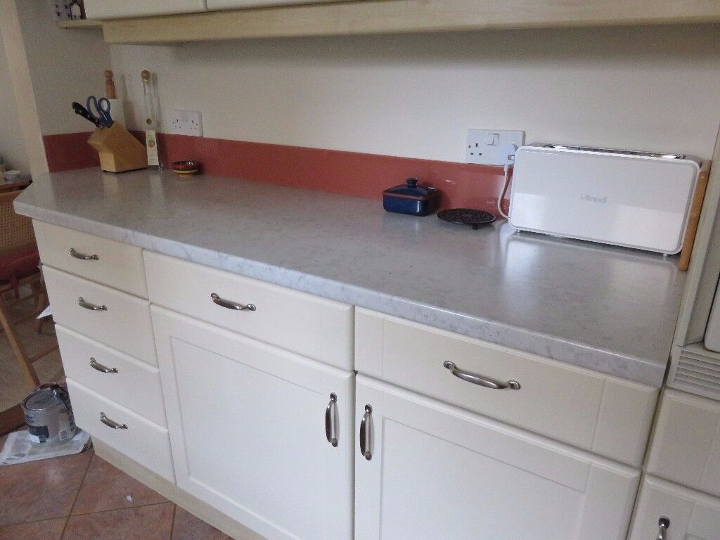 Formica Axiom Platinum Cloud 1m 54cm worktop off cut