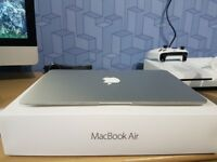MacBook Air 2014 model 121GB Flash drive 4GB Ram Excellent condition