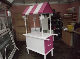 CANDY SWEET CART IN PINK AND WHITE