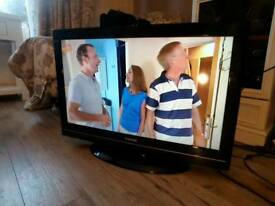 """32"""" Toshiba Regza Full HD LCD/LED TV with Freeview"""