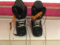 Burton ladies snowboard boots size 6