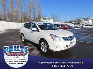 2013 Nissan Rogue SV! Back Up! Alloy! Sunroof! Heated!
