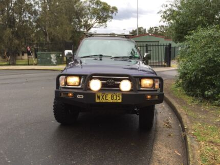 2000 Toyota Hilux Ute sr5 4x4 Dual Cab North Narrabeen Pittwater Area Preview