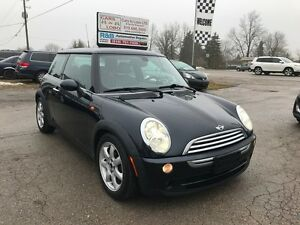 2006 MINI Cooper - Leather - Panoramic sunroof