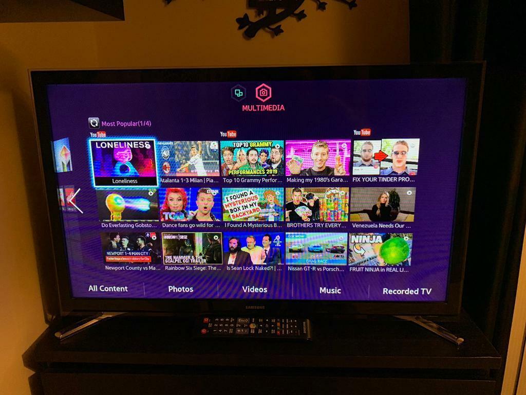 "Samsung 32"" LED SMART TV   in Southside, Glasgow   Gumtree"
