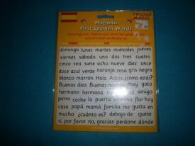 New First Spanish Words Magnets IP1
