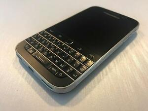 Telus or Koodo BlackBerry Classic 16GB Black - READY TO GO - SALE - Guaranteed Activation + No Blacklist