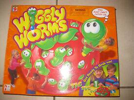 WIGGLY WORMS GAME - FABULOUS CONDITION! And ALPHABET TRAIN PUZZLE + instructions
