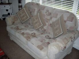 lovely as new suite 3+1+1 lurgan.
