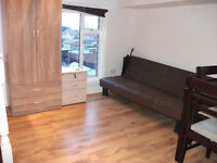 ONE BEDROOM, INCLUSIVE OF GAS/ELECTRIC & WATER, CLOSE TO HOUNSLOW WEST TUBE