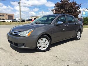 2009 Ford Focus AUTO! LOW KM! ONE OWNER!