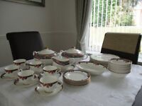 M&S OSBOURNE TEA AND DINNER SET