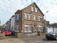 MANOR PARK E12 : Spacious one Bedroom flat, Close to all amenities
