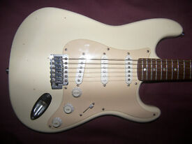 Fender Squier Stratocaster Electric Guitar SSS / White.