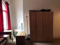 ^BEAUTIFUL HOUSE AVAILABLE NOW IN GOLDERS GREEN AREA^