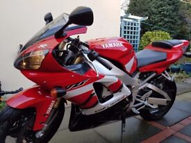 2001/2002 5jj Yamaha YZF-R1 998cc Supersports Low mileage and Mot immaculate condition