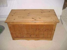 Honey Pine Trunk, Bedding Box or Toy Store