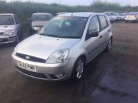 2003 FORD FIESTA 5 DOOR HATCHBACK SILVER CLEAN CAR IN AND OUT IDEAL CHEAP RUNABOUT ANYTRIAL WELCOM