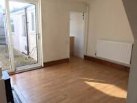 2/3 Bed House Close Town and Francis Close Campus