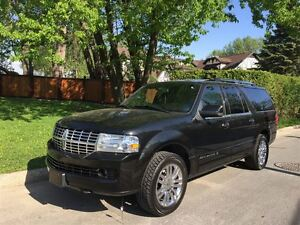 2010 Lincoln Navigator Ultimate w/ Nav & DVD