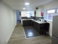 Cathay's Terrace, Cathay's.5 Bed Ground Floor Student Flat Newly Refurbished ** £360 RENT ** PPPM.