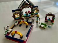 Lego set 41322 Snow Resort Ice Rink