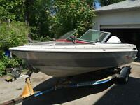 1989 Doral Motorboat with 120 HP Johnson Outboard Motor